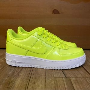 💛NEW💛 NIKE AIR FORCE 1 LV8